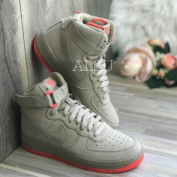 the best attitude e41a3 e675d NWT Nike Air Force 1 High GS Khaki W AUTHENTIC